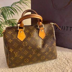Authentic Louis Vuitton speedy 25 bag